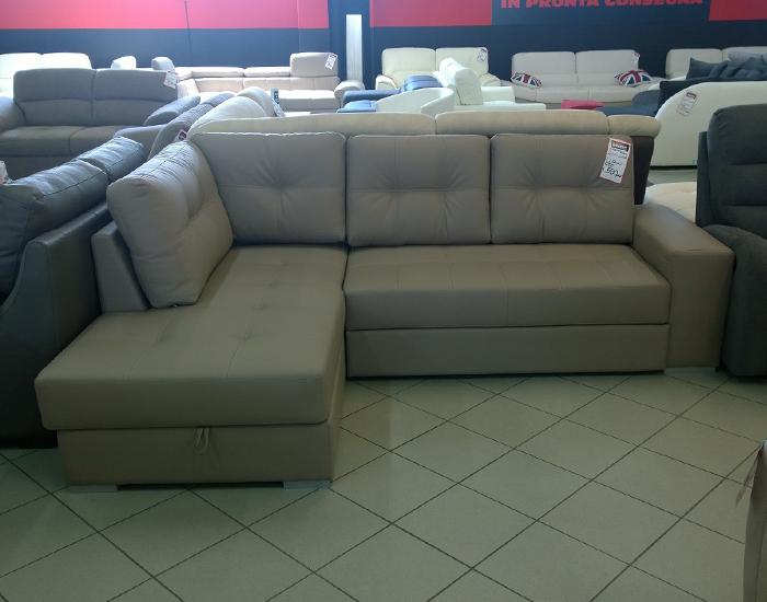 Londra outlet divani for Tessuti arredamento outlet milano