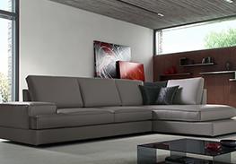 Nei nostri outlet ti aspetta un vasto assortimento di divani angolari