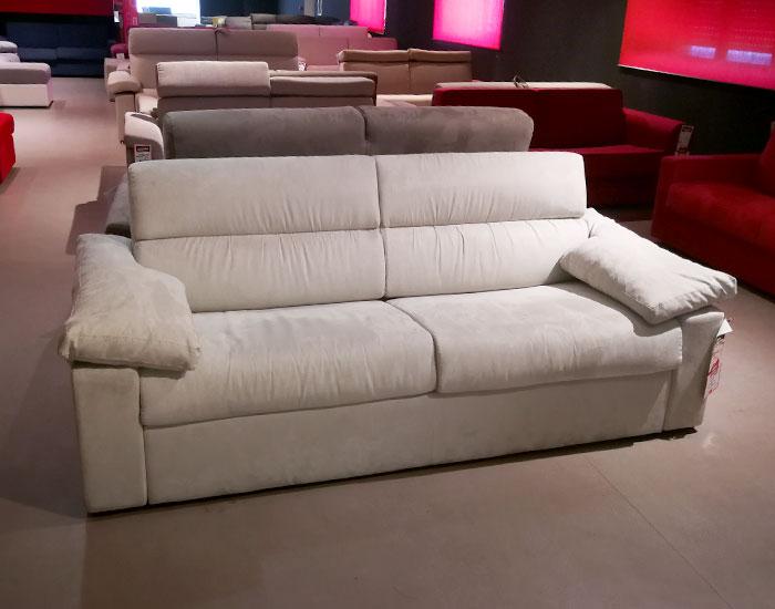 Outlet divani varedo scopri tutti i modelli disponibile for Divani in saldo