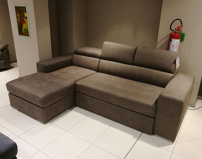 Living Divani Outlet. Perfect Flexform Groundpiece Sofa With ...