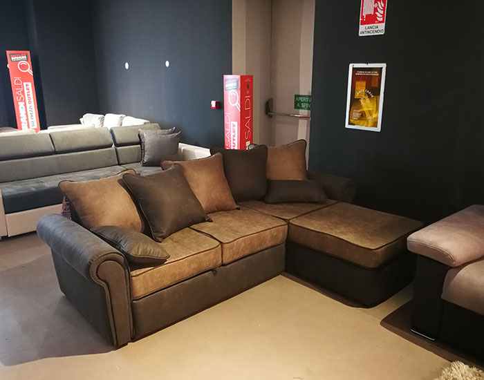 bari outlet divani