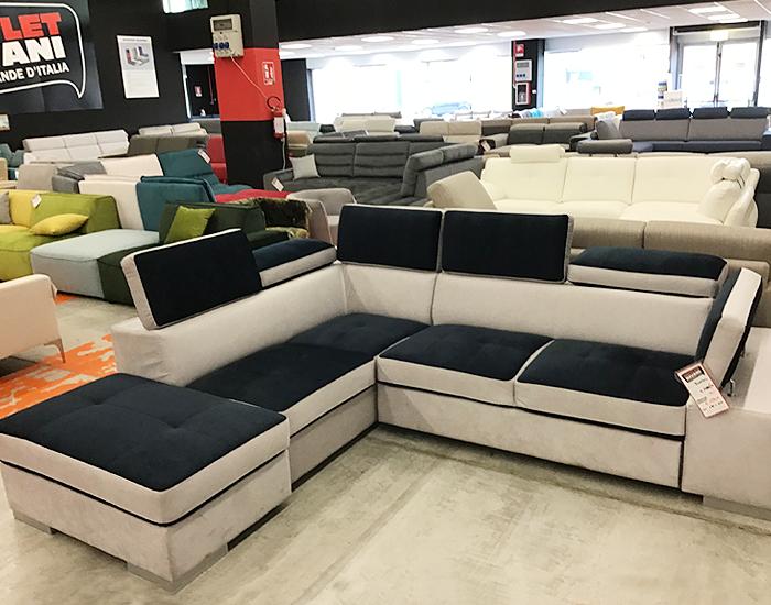Divano nuovo con ritiro usato divano letto ikea e nuovo for Ritiro arredamento usato milano